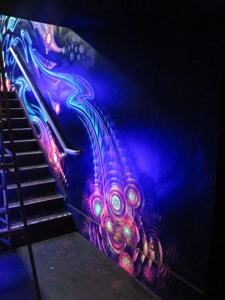 37 best chromadepth art images on pinterest haunted for Black light mural