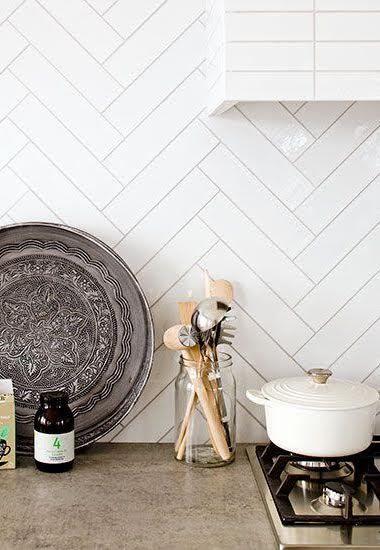 Visgraat tegels in de keuken