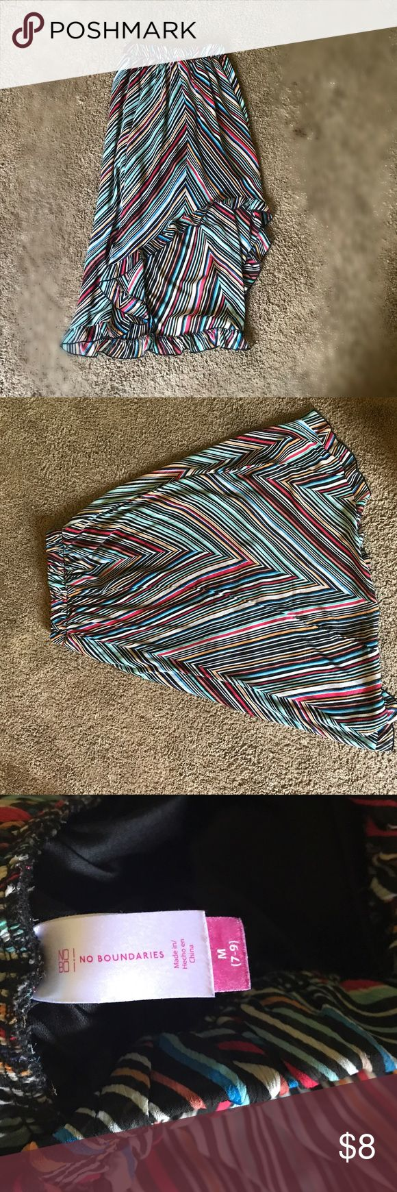 Colorful Maxi Skirt 💓 Beautiful a symmetrical cut Maxi in excellent condition. Perfect for summer and sandals. Size medium, elastic waist. No Boundaries Skirts Maxi