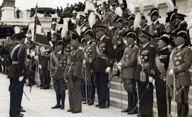 Planet Stars: Απίστευτοι διάλογοι για την Ελλάδα στο Πολεμικό Συ...