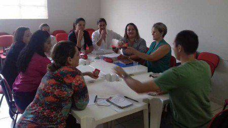 Grupo de educadores promove troca de experiências sobre inclusão