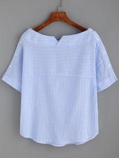 Blusa a rayas escote barco con botones -azul