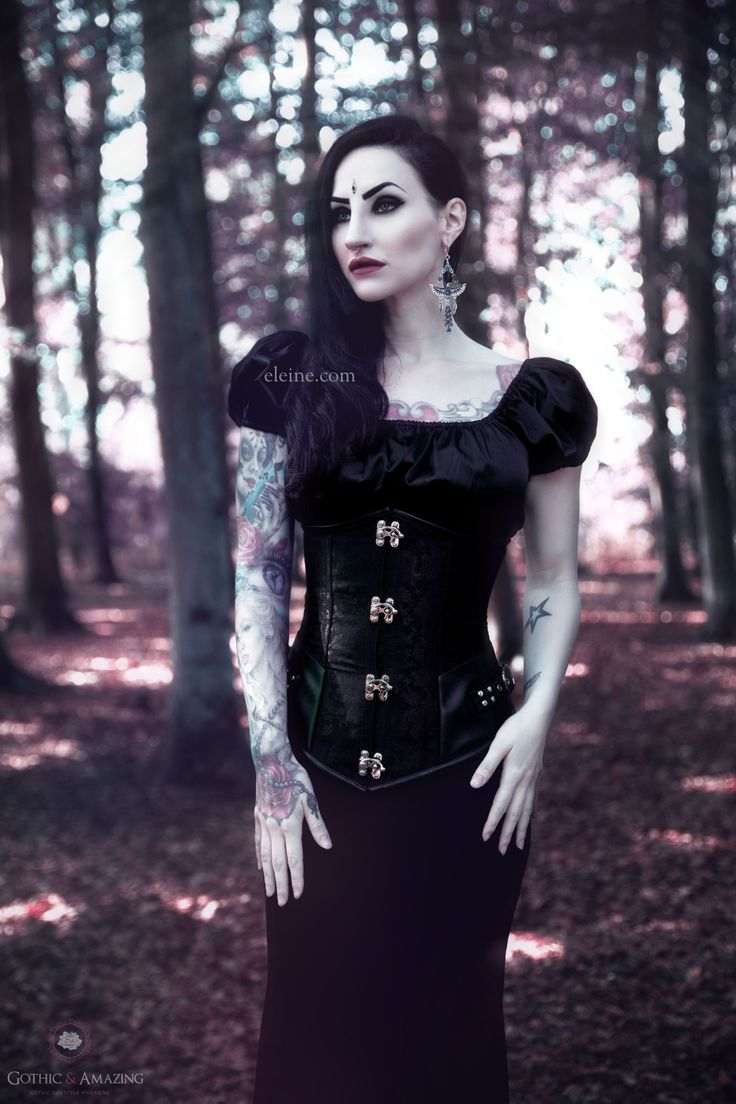 Model/MUA/Singer: Eleine Photo: Rikard Ekberg Clothing: Phazeclothing.com Earrings:Wonderlandmc/Bindi:Nocturne Jewellery More:http://www.gothicandamazing.com/phaze-review-by-eleine/ Welcome to Gothic...