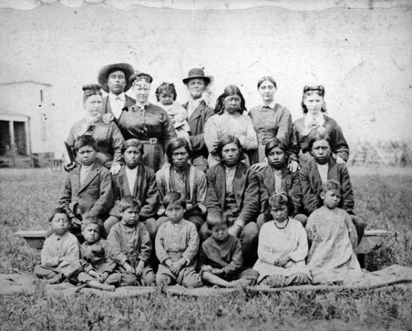 the history of the yellowknives a native american tribe For the most part the native american tribes lived peaceably believing that nature was sacred and was to be shared however, the coming of the europeans and the removal of their land led to conflict both between the different tribes and between the indians and whites.