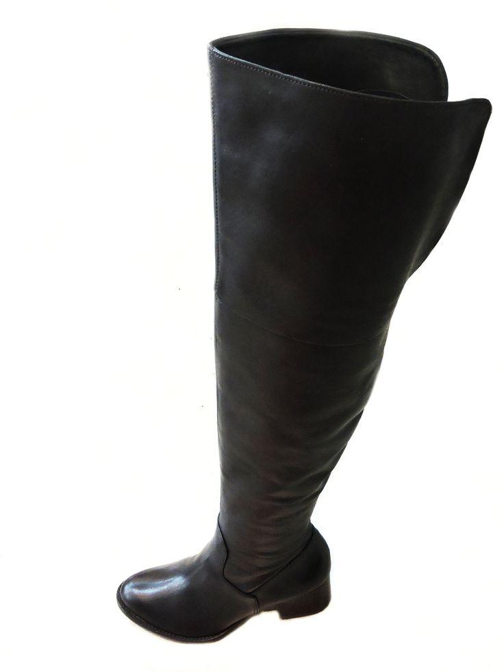 Confortável e cheia de estilos, as botas Over the Knee são a cara do Outono-Inverno 2015. Esse modelo você encontra na Arezzo do ShopSãoJosé por R$539,90.