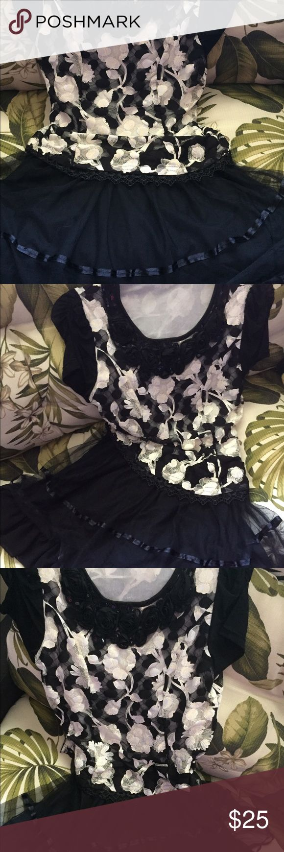 Flowery Black and White Short Mini Party Dress Flowery Black and White Short Mini Party Dress, lace and flowers, evening party wear or special occasion. Dresses