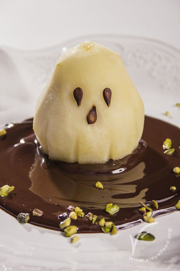Ghosty pear. Video lesson available on VisualFood Channel (Youtube)