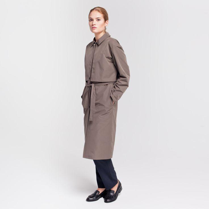 Miner Trench Coat Dark Beige #miner #trench #coat #cupro #darkbeige #rainproof #elementy #polishfashion #classic #minimal #simplicity #plaszcz #trencz #przeciwdeszczowy #polskamoda #minimalizm #aw16