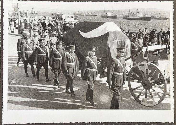Büyük Başbuğ Atatürk'ün İstanbul ve Ankara'daki Cenaze Töreni Fotoğrafları 12. Bölüm