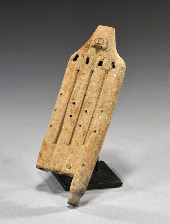 Pre-Columbian Colima 4-Chamber Flute