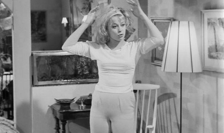 som Yvonne, i Sømænd og svigermødre fra 1962.