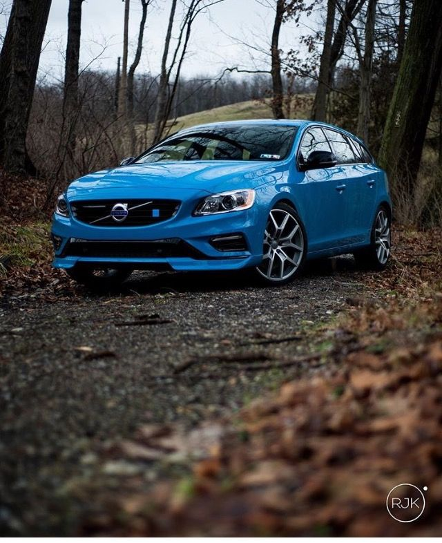 2016 V60 Polestar in rebel blue