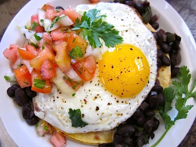 huevos rancheros Made Oct 2013 for a quick weekday breakfast. Pretty ...