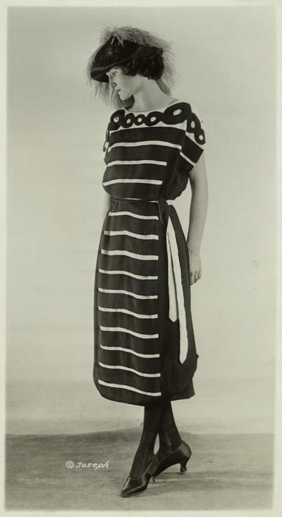 Saison Ciel - Women's fashions, 1921: Women Fashion, Vintage Fashion, 1920 S Fashion, 1920S Fashion, Horizontal Stripes, The Dresses, Stripes Dresses, 1920S Dresses, 1920S Women