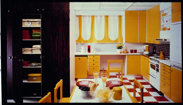 Keittiö 1970-luvun tyyliin.