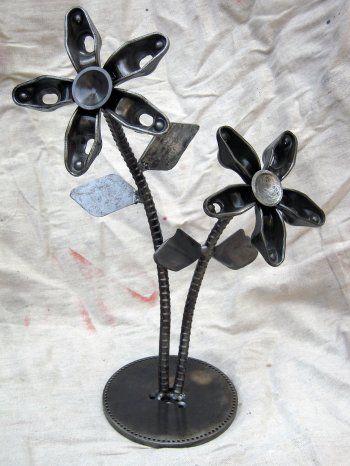 yard art ideas from junk | Miller - Welding Projects - Idea Gallery - Rocker Flowers