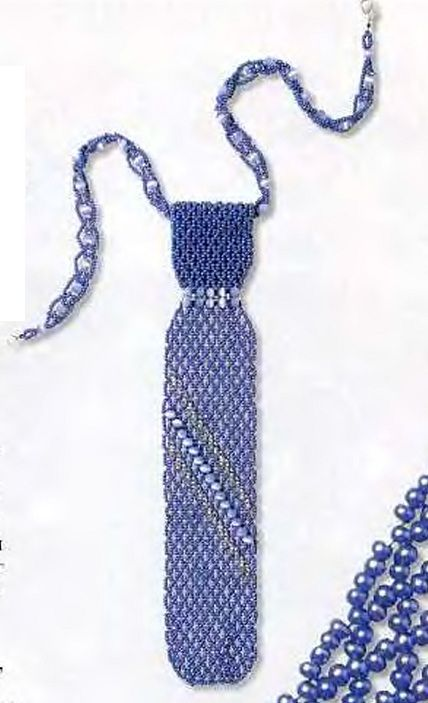 синий галстук из бисера