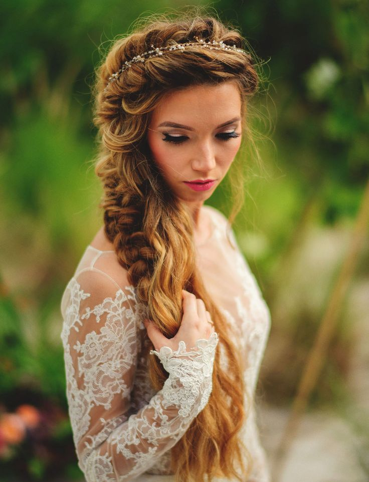 Untamed messy fishtail braid for the boho bride. Serious hair goals!