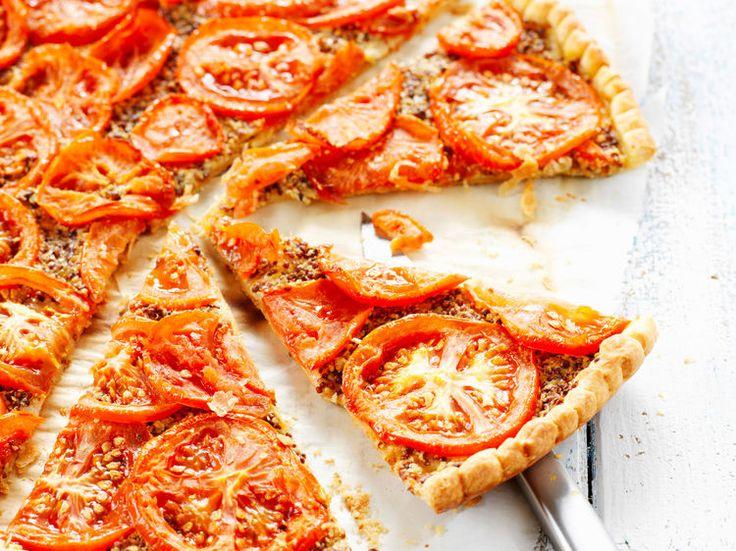 Découvrez la recette Tarte à la tomate et à la moutarde sur cuisineactuelle.fr.