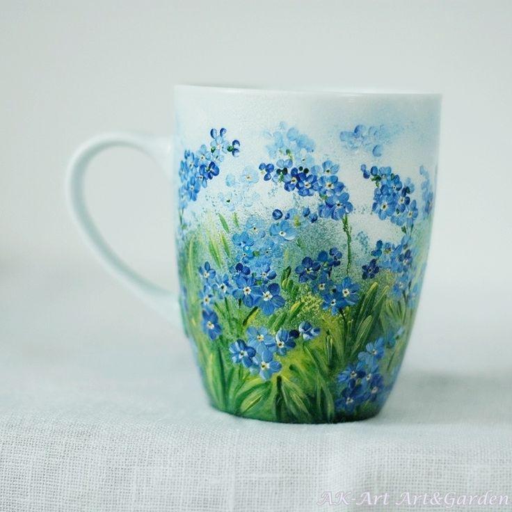 Ręcznie malowany kubek w niezapominajki / Hand painted mug with forget me nots