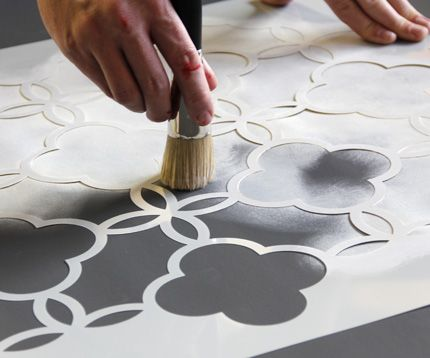 Tutorial. Stenciling a vinyl floorcloth with Annie Sloan Chalk Paint