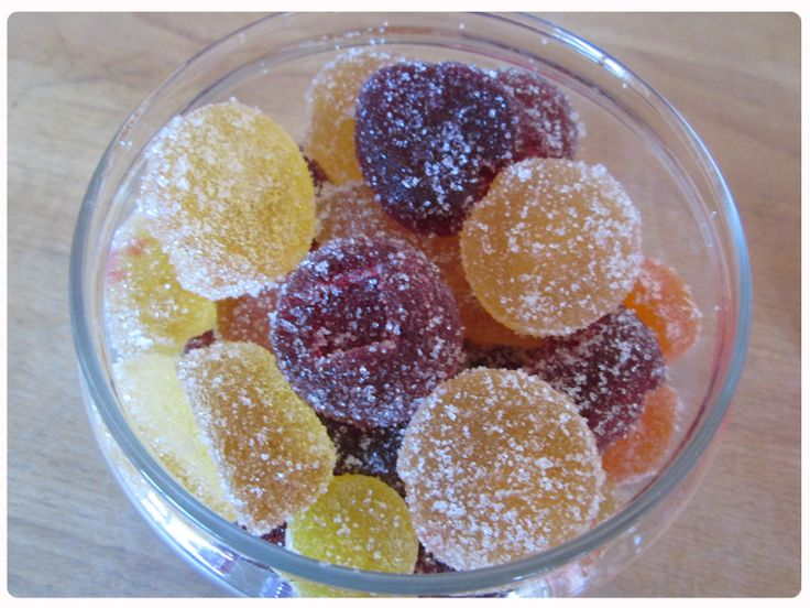 LizzieB makes delicious fruit pastilles – a home-made present to put a smile on anyone's face LizzieB shares 5 great fruit pastille flavours to make: Apple & Blackcurrant, Tropical fruit using mangos and pineapples, Raspberry, Kiwi, Lime and Nettle(!) and a sophisticated Port and Cinnamon. They are great fun to make and contain pure fruit …