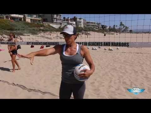 holly mcpeak how beach digs differ from indoor digs the art of coaching volleyball