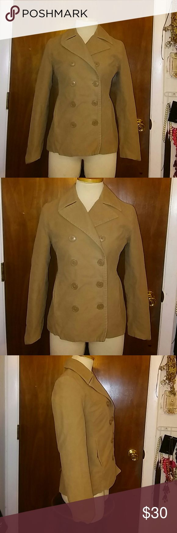 GAP Coat Very good condition. Beige Gap coat. Size XS Bust:36in GAP Jackets & Coats Pea Coats