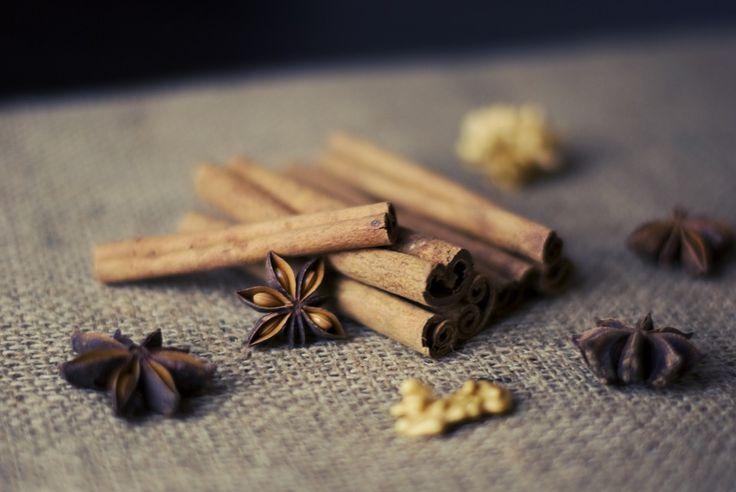Pokud zkombinujete tyto dvě ingredience, tedy skořici a med, vyřešíte tím mnoho svých zdravotních problémů. Vlastnosti ingrediencí si pochvalujeme.