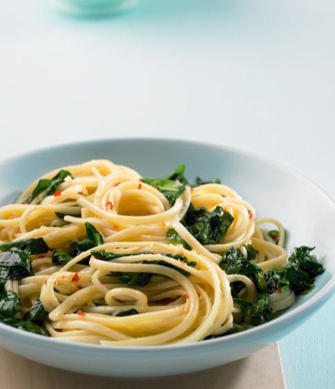 Aglio-Olio mit Spinat - Vegane Rezepte: Hauptspeisen - 25 - [ESSEN & TRINKEN]