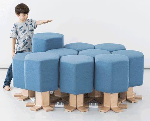 Lift-Bit se controla con gestos de la mano. El sofá futurista Lift-bit se controla desde una aplicación para dispositivos móviles, pero también se pueden mover sus módulos con el gesto de la mano. Es un moderno diseño modular, muy atrevido, que ofrece infinitas posibilidades de configuración, porque este mueble puede ser una cama, una tumbona, sillones, etc. Está preparado para el internet de las cosas.  #Muebles, #Vídeos