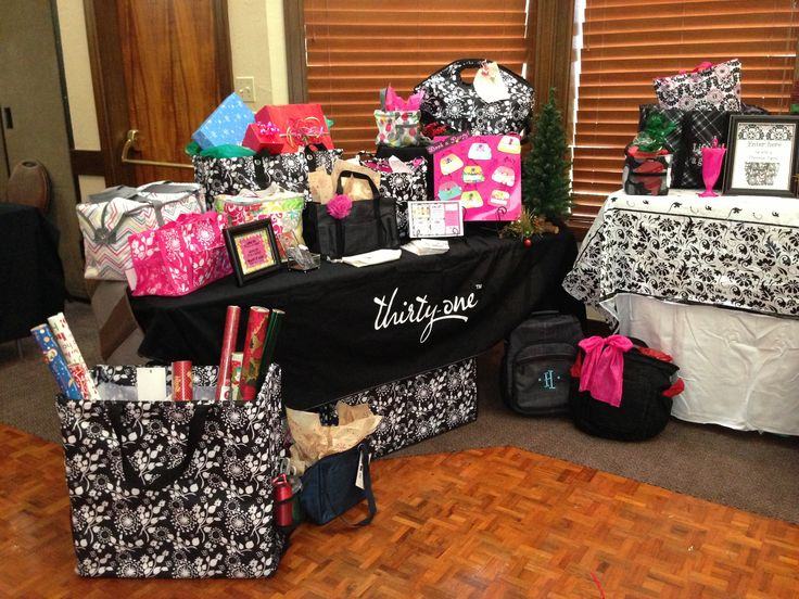 Kerry Nimitz' thirty one display at Christmas in July 2013