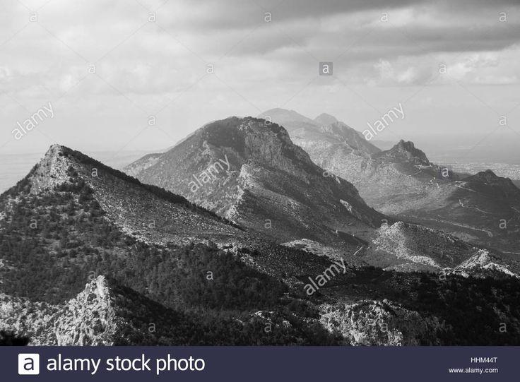 A view of #Kyrenia mountains in #Cyprus. pic @SimonPadovani