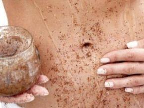 Esfoliante de café ajuda a diminuir a acumulação de gorduras e toxinas combatendo a celulite