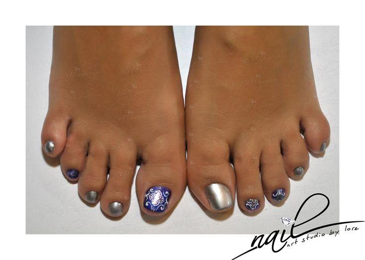 nails pedicure deisgn chrome blue silver