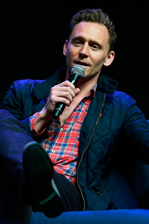Tom Hiddleston attends Wizard World at the Philadelphia Convention Center, PA on June 6, 2016. Source: Torrilla. Full size image: http://ww3.sinaimg.cn/large/9f8f6447jw1f5bacyc44mj21111jk7go.jpg