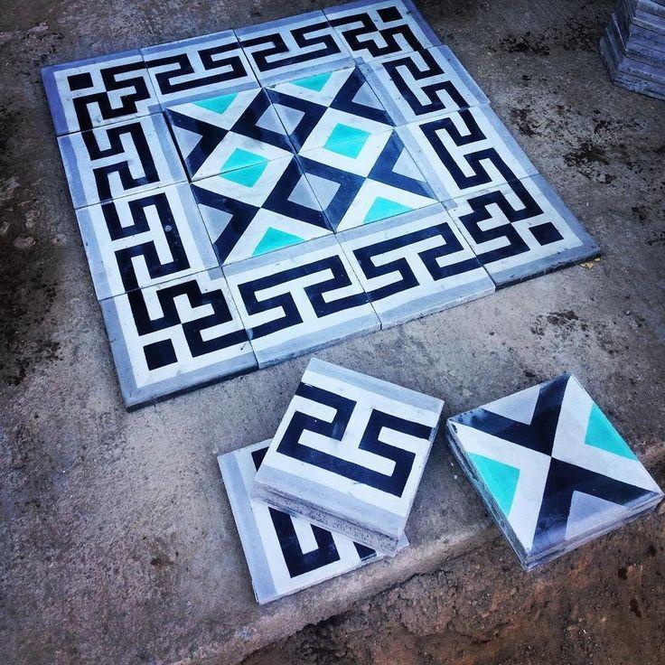 Mosaicos de  @lagunamosaicos Cenefa: Greca Diseño: Rombos  #diseño #design #arquitectura #interiorismo #azulejo #mexico #moda #mosaico #retro #vintage #lagunamosaicos #interiorismo #interiordesign #tiles #tile #ihavethisthingwithfloors #tileaddiction #arquitecturamx by mx.interiorismo