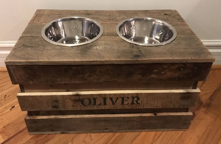 Reclaimed rustic pallet crate dog feeding station with removable top 2 quart bowls included by Kustomwood on Etsy