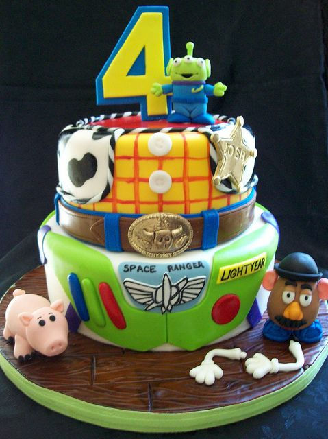 Ideas for Toy Story birthday party. This is prefect!!! Kellen is having a toy story party next! I live this cake @AshleyRodney :)