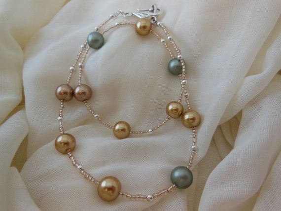 Timeless Glass pearl necklace with seed beads and by LeelysBeads, €10.00