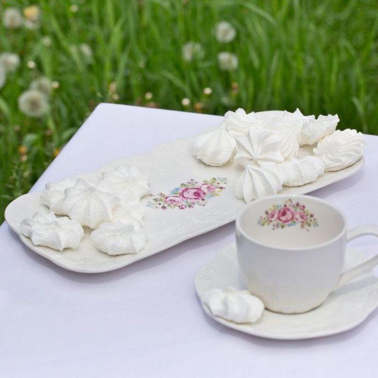 Romantic mug #dekoriapl #kettle #roses #mug #cup #porcelain #garden #inspirations #sweety #cookie #yummy