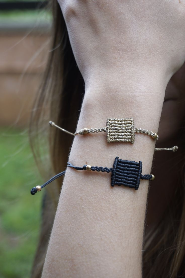 Little square macrame bracelet - minimal style, geometric!