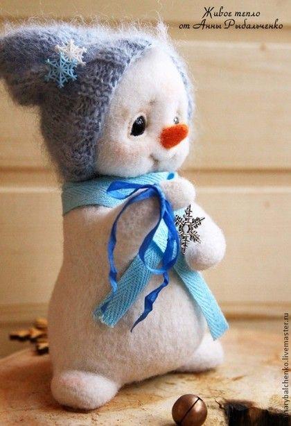 Сказочные персонажи ручной работы. Ярмарка Мастеров - ручная работа Снеговишка. Handmade.