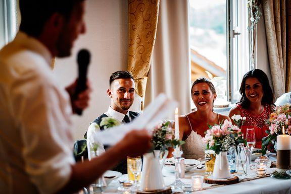 Ein Bewegender Moment Wenn Der Brautvater Seine Hochzeitsrede Halt Hochzeitsreden Hochzeitsfotos Hochzeit
