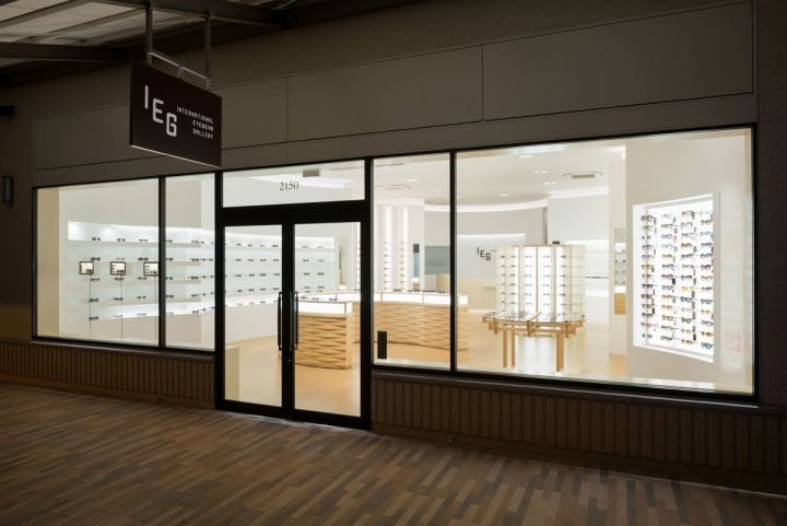 """The """"IEG"""" -International Eyewear Gallery - has open a first shop at Shisui Premium Outlet April 2015."""