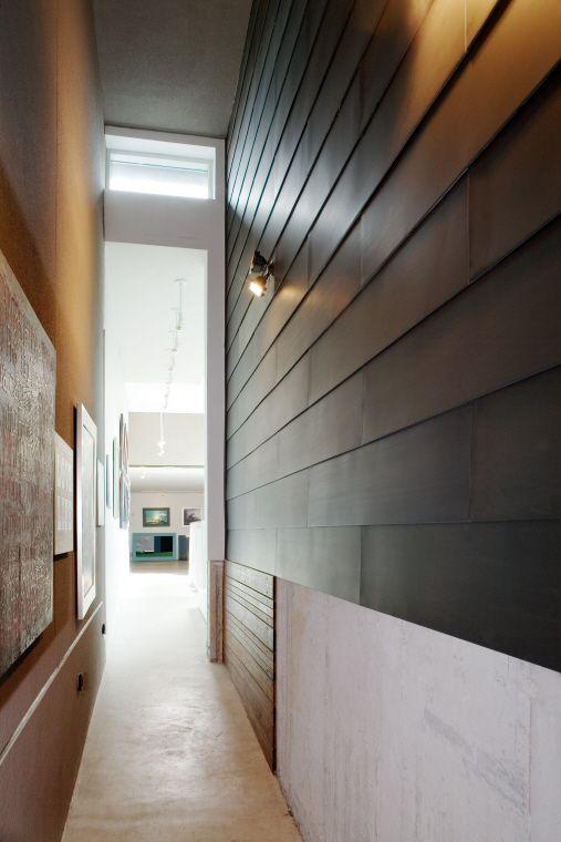 Private house, Toronto (Canada) by Teeple Architects, Inc.  Contractor : Golden Hammer Renovations, Copyright : Paul Kozlowski  #Architecture #AnthraZinc #Canada #Façade #Zinc #VMZINC #ContemporaryHouse