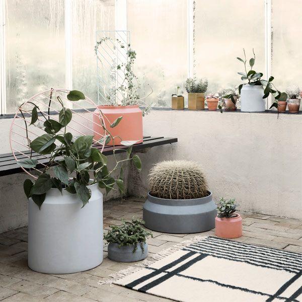 Ferm Living Vaso in cemento, ocra, grande | Vasi per erbe/fiori | Cucina | Finnish Design Shop