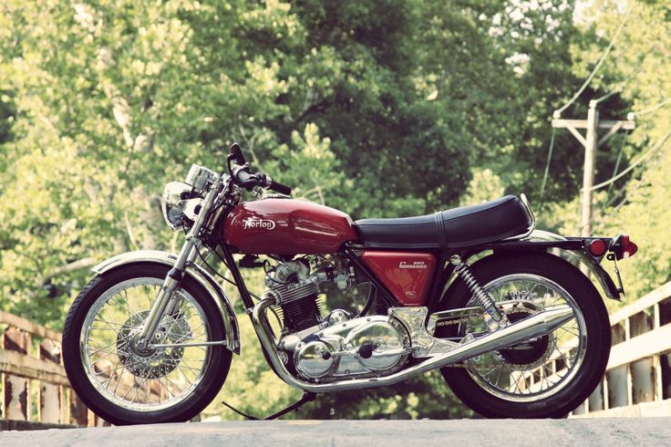 1975 Norton Commando in maroon