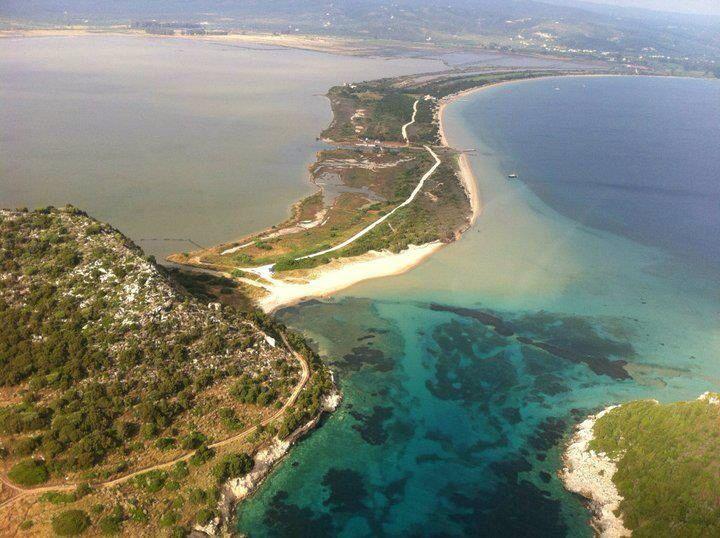 Golden beach Divari