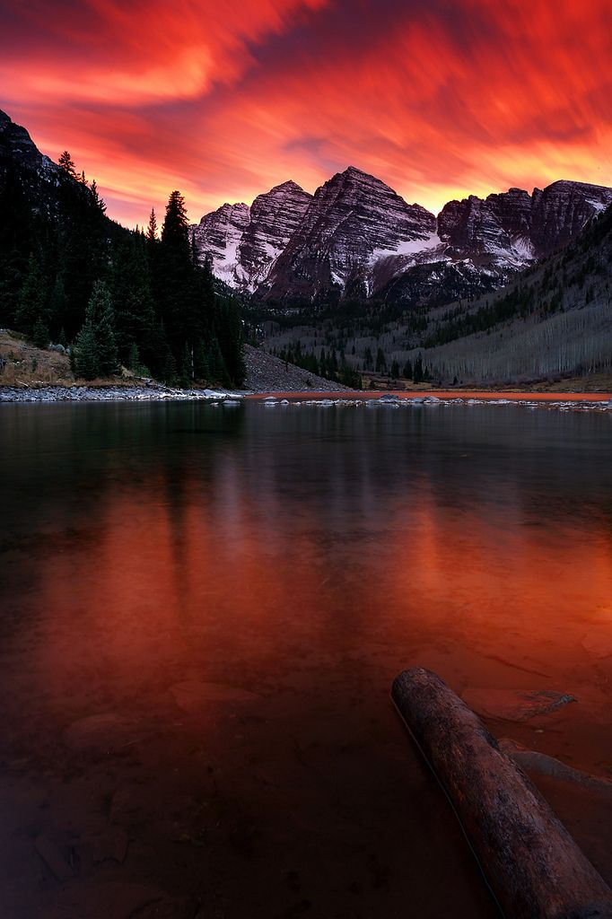 Sunset at the Maroon Bells on the border between Pitkin County and Gunnison County, Colorado, United States, about 12 miles southwest of Aspen.